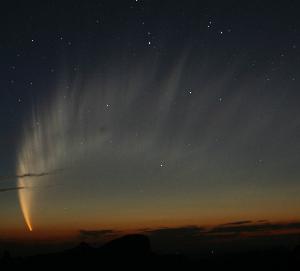 cometss2.jpg